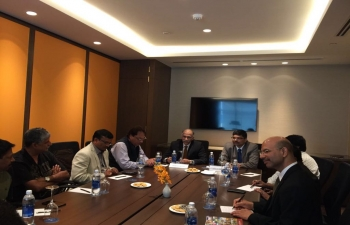 Ambassador P. Harish met the visiting Andhra Pradesh State Fishermen Cooperative Federation Limited in Ho Chi Minh City on 16 March 2018.