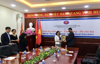 Courtesy call on Prof. Dr. Ngo Thi Phuong Lan, the new President of Ho Chi Minh City University of Social Sciences and Humanities on May 17, 2018