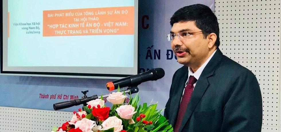 Consul General Dr. K. Srikar Reddy speaking at the Seminar on