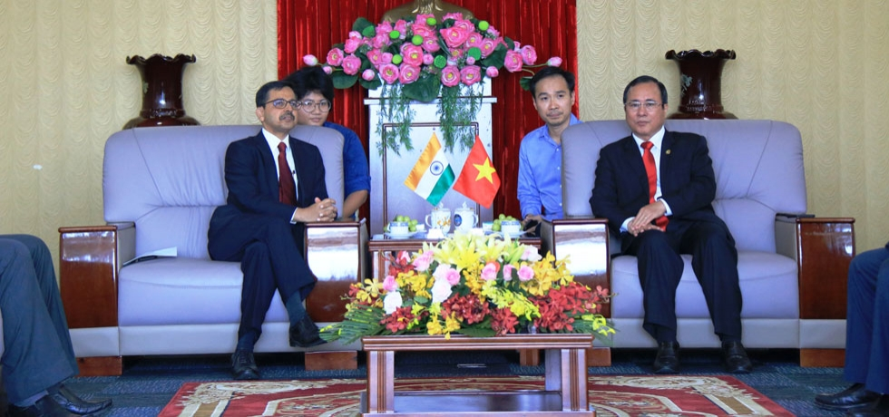 Ambassador Pranay Verma accompanied by Consul General Dr. K.Srikar Reddy paid a visit to Binh Duong province on 28 November 2019. During the visit, Ambassador met with H.E. Mr. Tran Van Nam, Secretary of Binh Duong Party Committee and H.E. Mr. Tran Thanh Liem, Chairman of Binh Duong People's Committee, and discussed cooperation between India and the province in matters of trade, investment and people to people relationship.