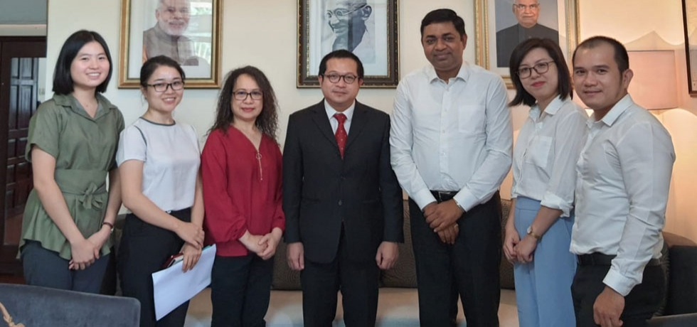 Consul General Dr. Madan Mohan Sethi welcomed a delegation from the Foreign Service Centre (FSC) on August 25, 2020.