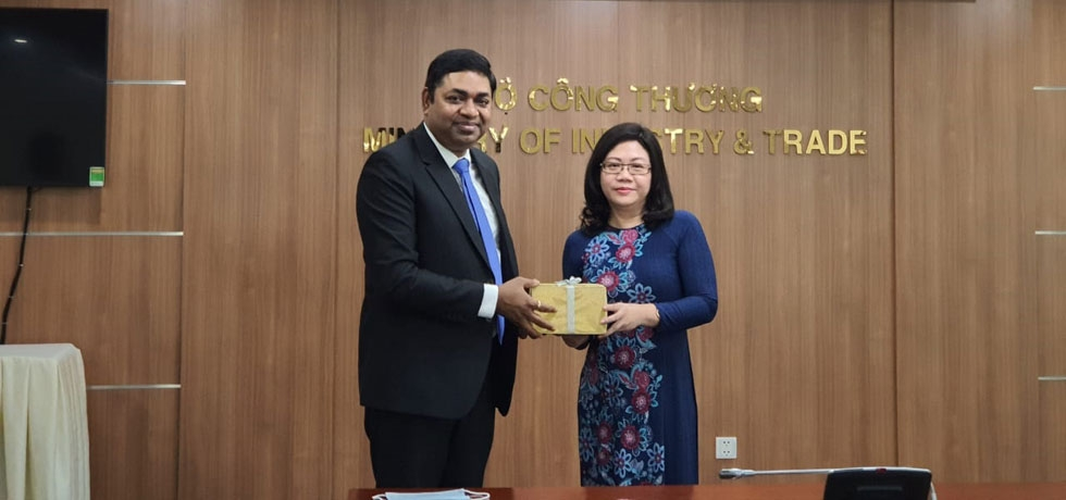 Call on Madam Nguyen Van Nga, Deputy Director General - Representative, Ministry of Industry and Trade (MOIT) by Consul General, Dr. Madan Mohan Sethi on August 25, 2020