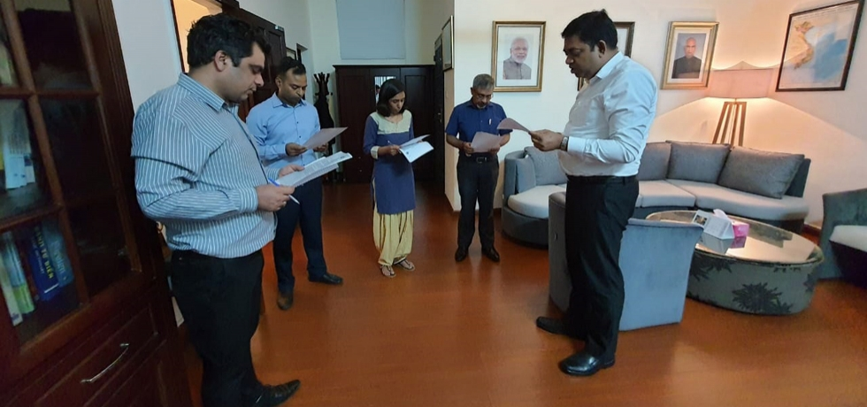 As part of the #vigilanceweek2020, officers and staff of the Indian Consulate in Ho Chi Minh City taking the Integrity Pledge on 27th October, 2020