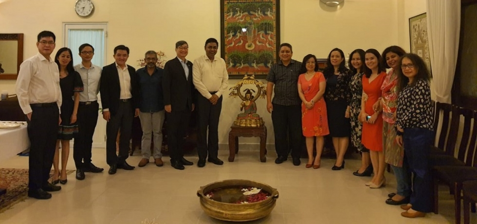 Consul General Dr. Madan Mohan Sethi hosted dinner for the representatives of Ho Chi Minh City Union of Friendship Organisations (HUFO), Vietnam-India Friendship Association (VIFA) and Service Company to Foreign Missions (FOSCO) at Consul General's residence on 30.10.2020