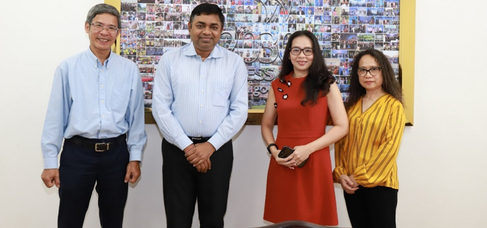 Meeting of Consul General Dr. Madan Mohan Sethi with Saigon Times Group's Management Board on 24.12.2020.