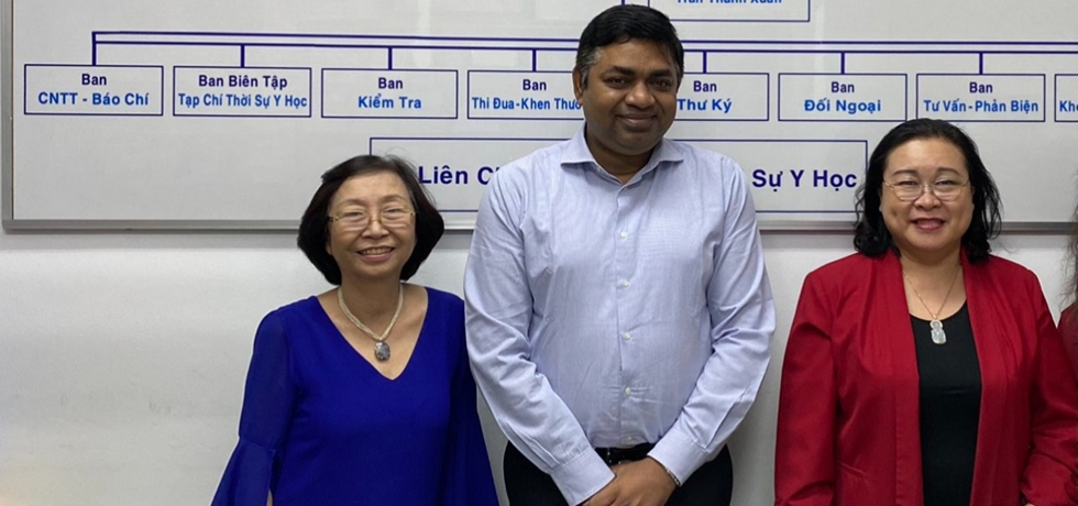 Meeting of Dr. Madan Mohan Sethi, Consul General with Associate Professor Dr. (Mme.) Nguyen Thi Ngoc Dung, Chairperson and Dr. Huynh Anh Lan, Vice Chairperson of Ho Chi Minh City Medical Association on 31st December, 2020.