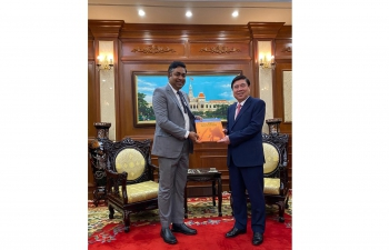 Meeting of Consul General Dr. Madan Mohan Sethi with Mr. Nguyen Thanh Phong, Chairman of Ho Chi Minh City People's Committee on 13th January, 2021.