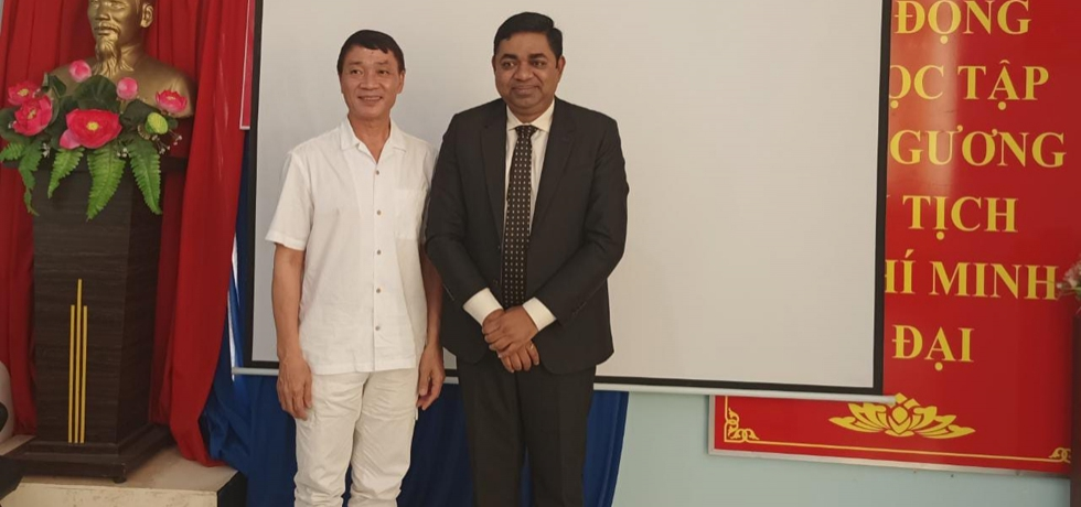 Consul General of India Dr. Madan Mohan Sethi met People's Artist Mr. Ha The Dung, Principal of HCMC School of Dance on 18th May 2021.